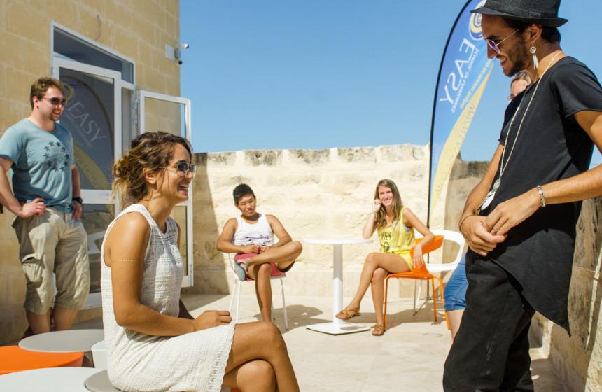 リゾート島『マルタ』で多業種インターンに挑戦!